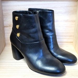 Nine WEST Gold Buttons Black leather Ankle Boots